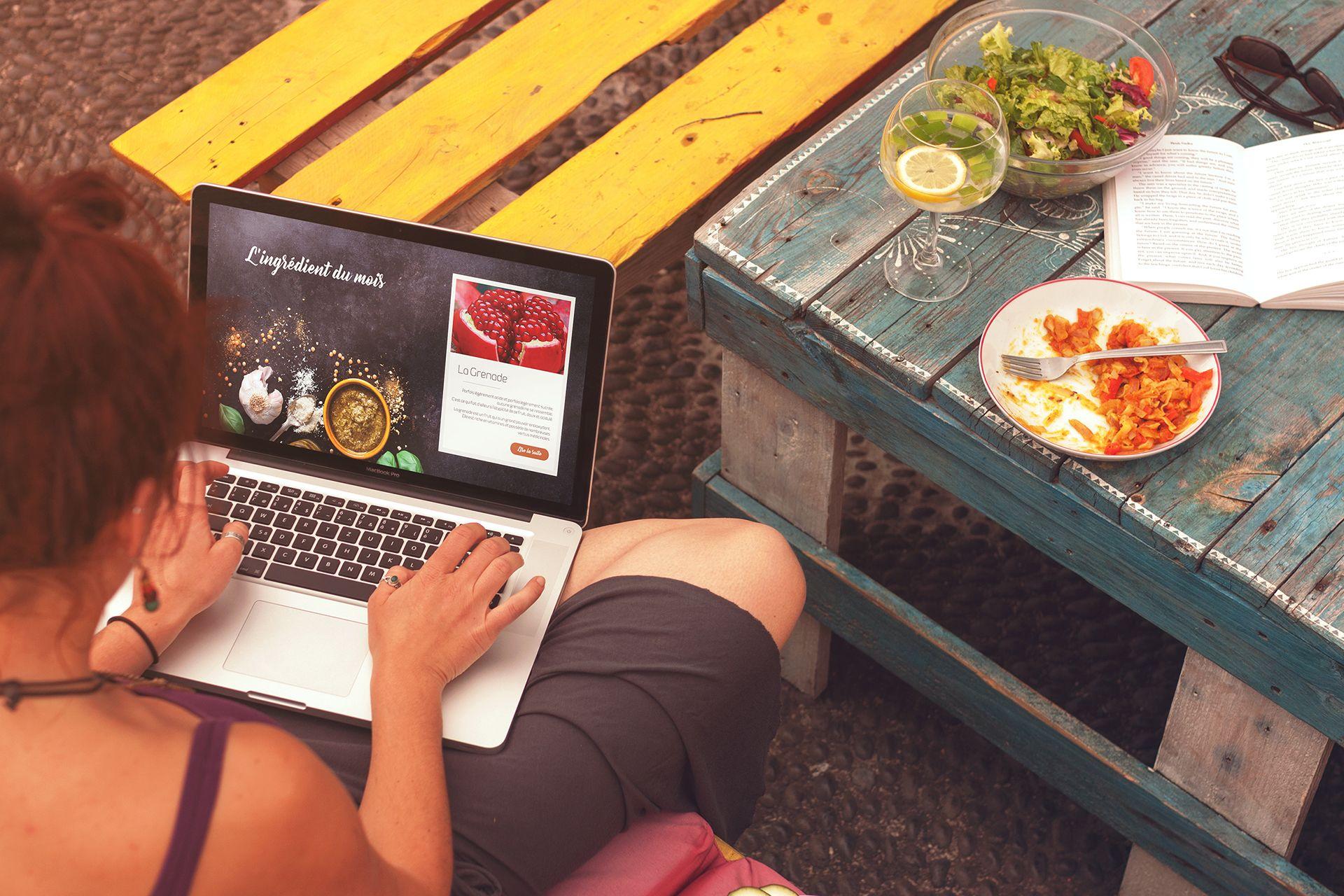 Webdesign sur le thème de la cuisine Gourmand et croquant crée MickGuti.com